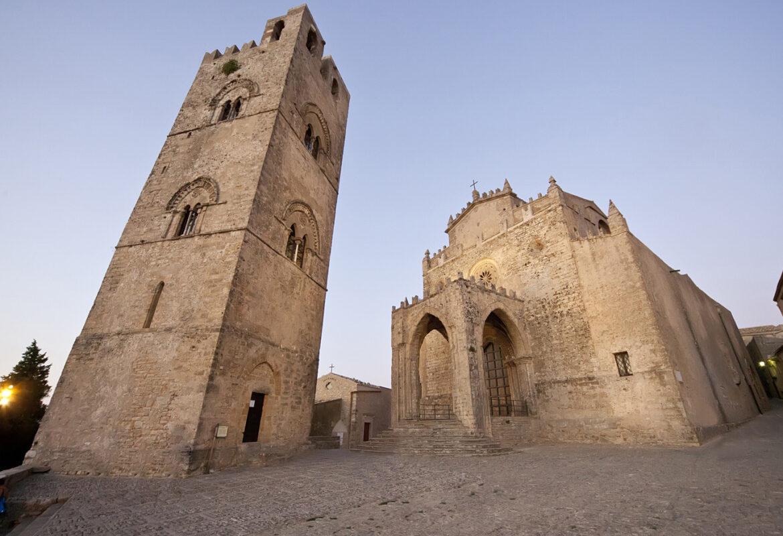 Main Church (Duomo) an bell tower